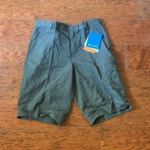 Columbia outdoor short NWT grey